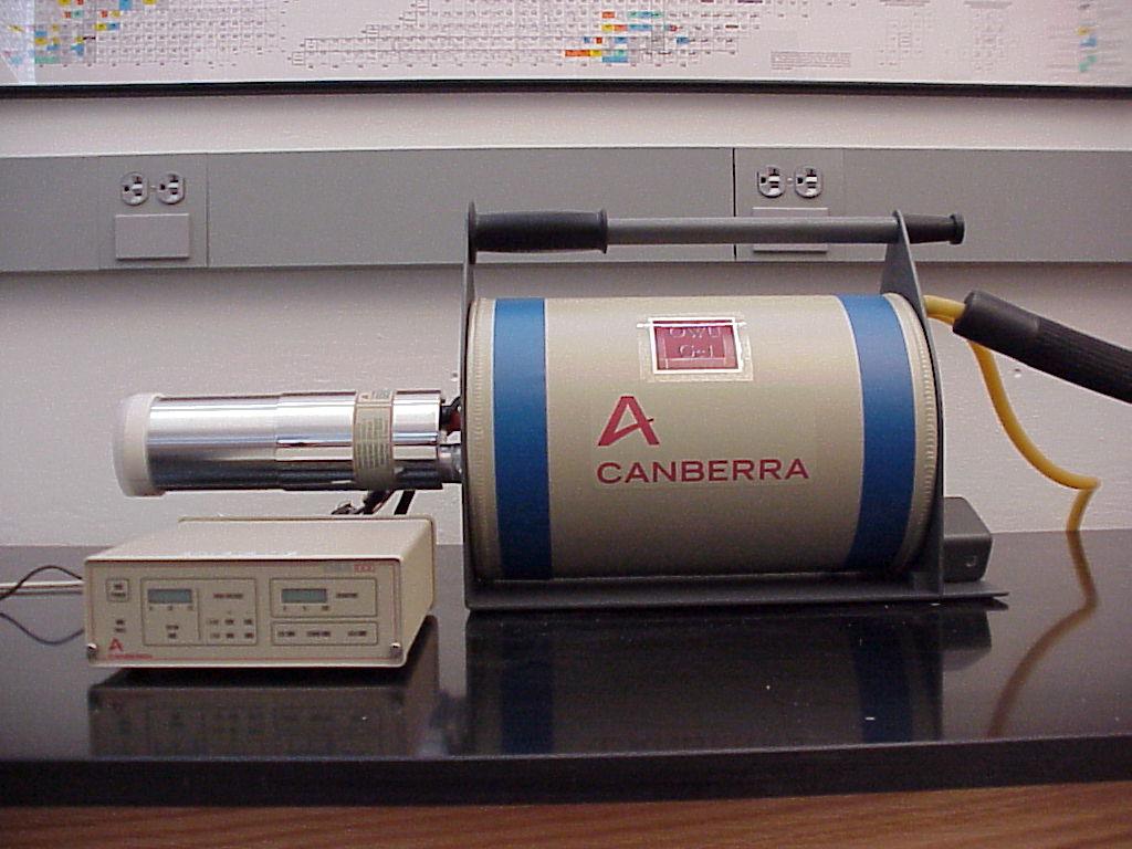 High-resolution germanium detector